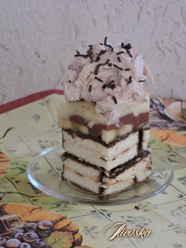 Слатки коцки од тортици