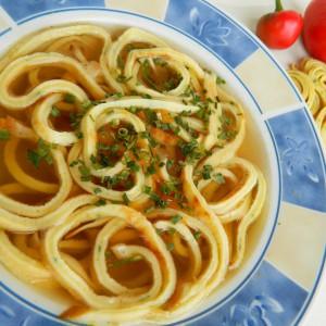 Супа од палачинки