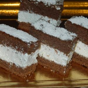 Киндер млечни тортици