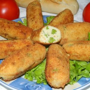 Крокети од пилешки стек и грашок