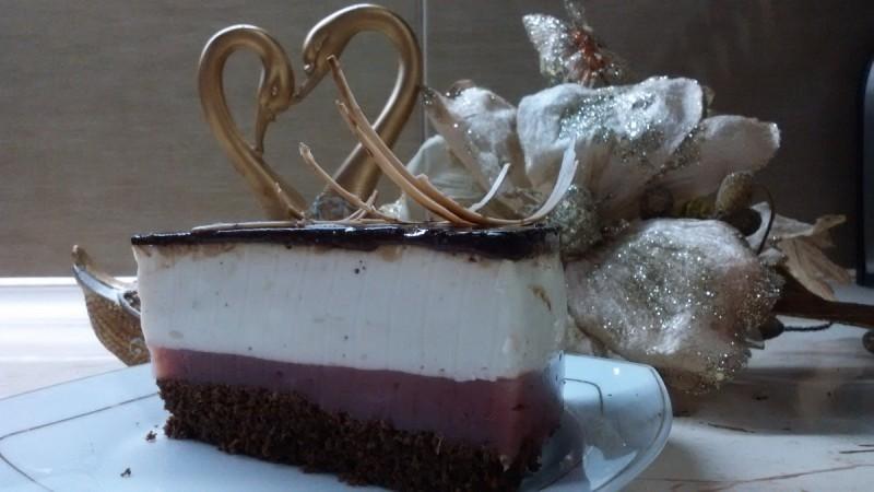 Овошна торта со кисела павлака - Капри торта