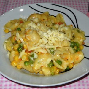 Брзи макарони со мешан зеленчук (посно)