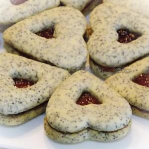 Суви колачи со афион и вкус на анис