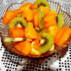 Овошна витаминска салата