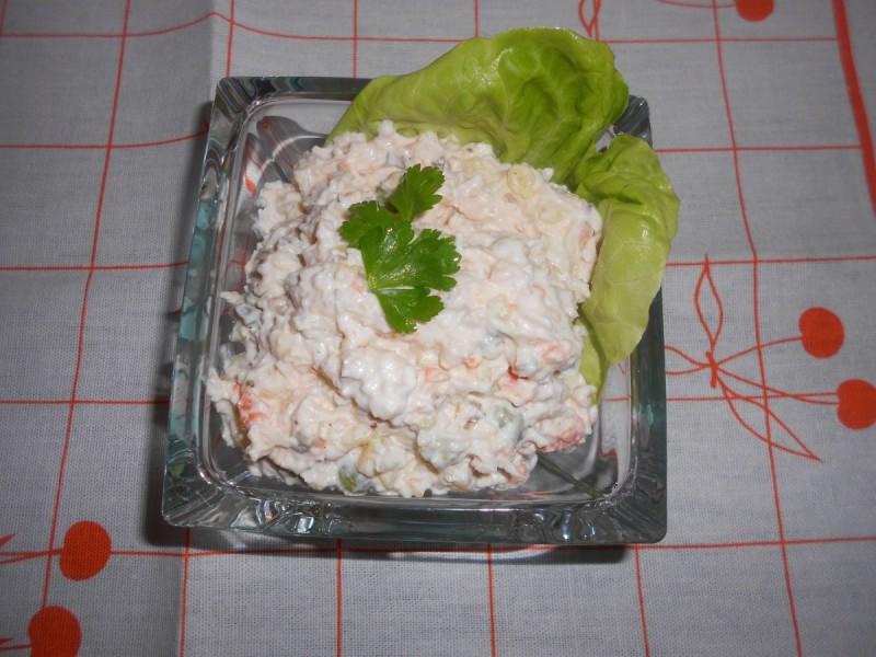Сочна пилешка салата
