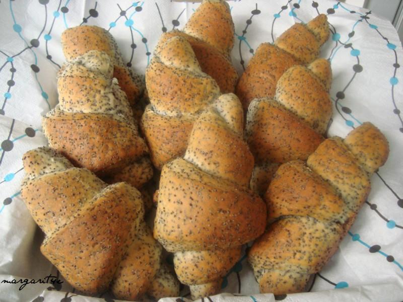 Кифли со афионско семе