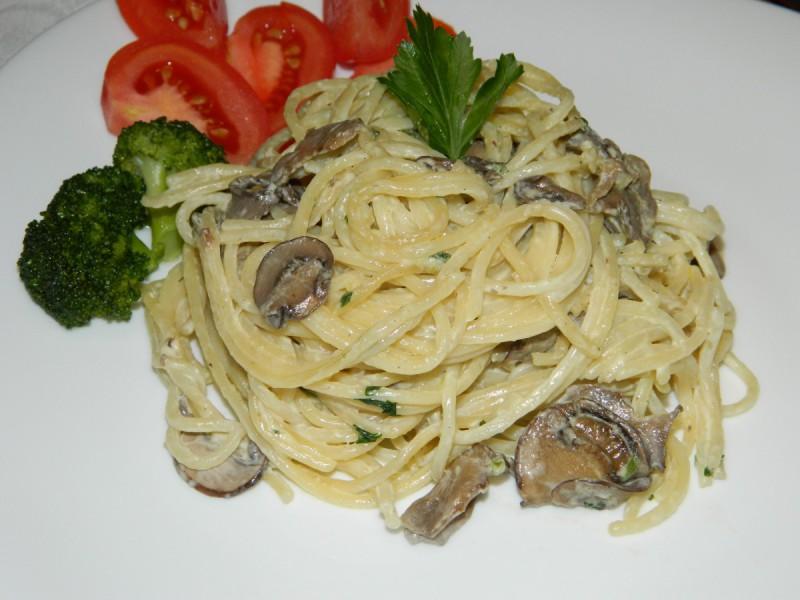 Посни шпагети со печурки