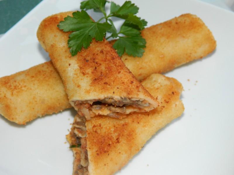 Посни пирошки од палачинки со печурки
