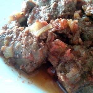 Пилешки црн дроб со домати