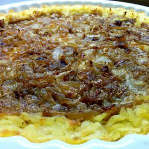 Тарт од компири и карамелизиран кромид (посно)