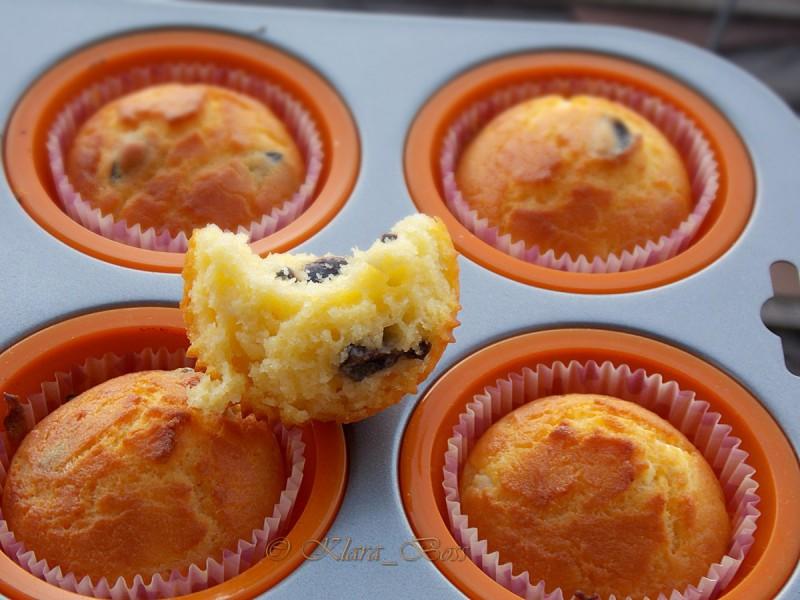 Пченкарни мафини со сирење и спанаќ