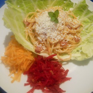 Шпагети со лук