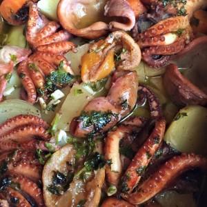 Печена хоботница (октопод)