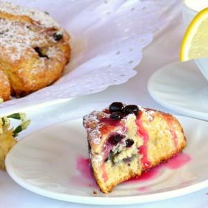 Сконси -Англиски колачи со боровинки (Skones)