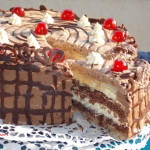 Полулисната кремаста торта