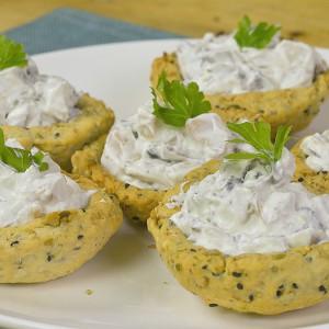 Видео рецепт: Солени корпи со семиња и пилешка салата