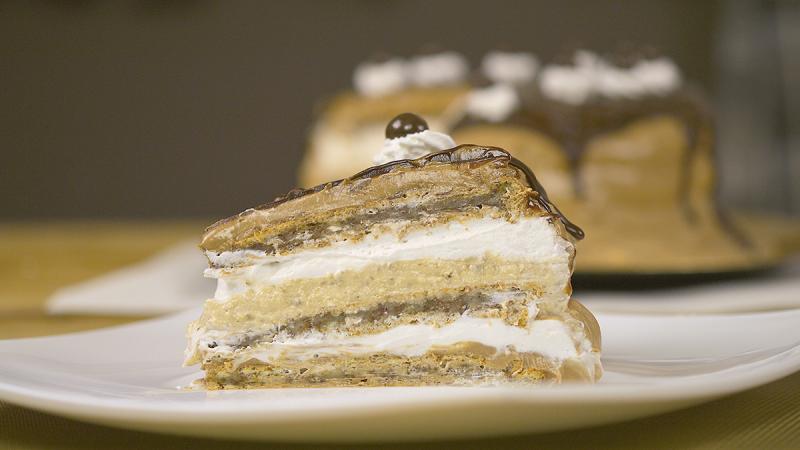 Видео рецепт: Раскошна торта со крем од чоколадо и ореви