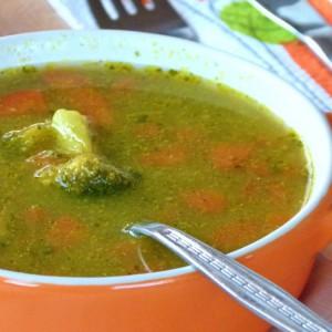 Густа зеленчукова супа со куркума (посно)