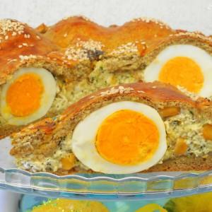Интегрална пита со варени јајца и брокула
