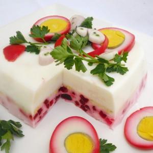 Шарена салата со варени јајца