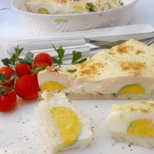 Јајца во бешамел сос