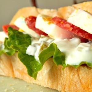 Сендвич со варени јајца