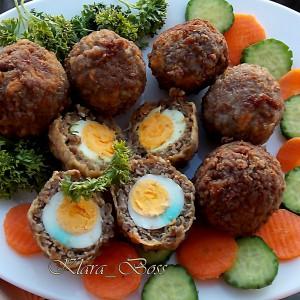 Потполошкини јајца во месно руво