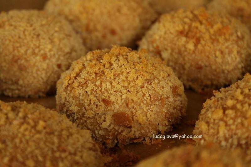 Полнети лепчиња (кифлички) печени со презла