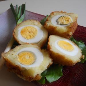 Поховани јајца со пире