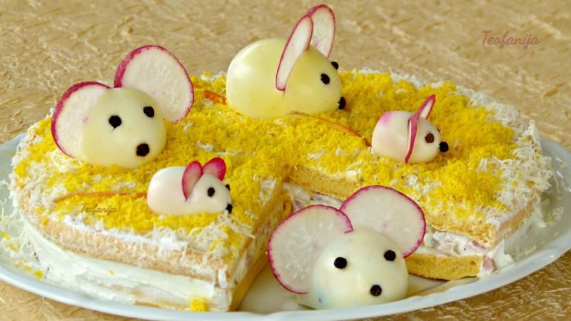 Солена торта со детска декорација