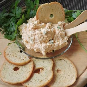 Liptauer-намаз со крем сирење