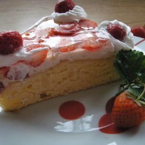 Торта со јагоди и желе