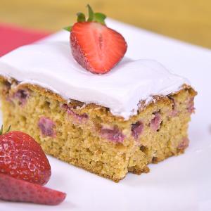 Видео рецепт: Американски колач со јагоди