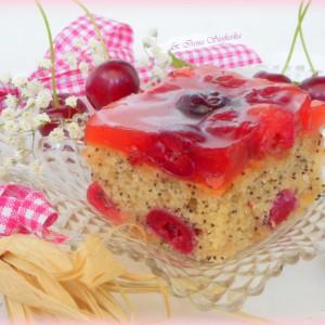 Колач со афион и цреши
