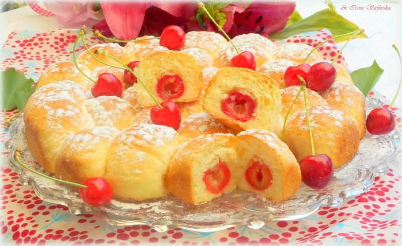 Бухтли со цреши