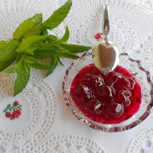 Домашно слатко од вишни марелици