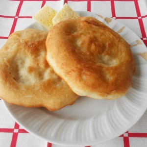 Мекици од два вида брашно