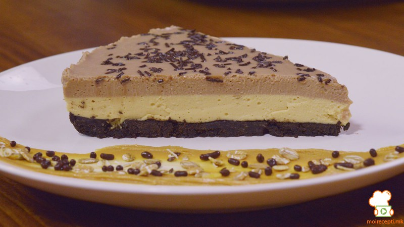 Видео рецепт: Чизкејк со путер од кикирики и чоколадо