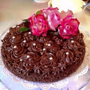 Чоколадна торта со кафе фростинг
