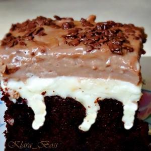 Пудинг колач со дупчиња