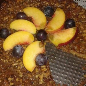 Вкусен колач со џем и ореви