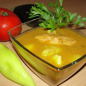 Компирова чорба со свинско месо и зеленчук