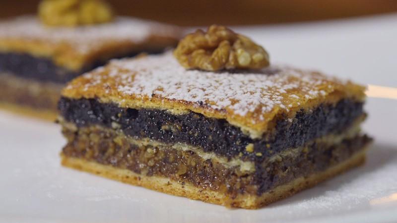 Видео рецепт: Посен колач со ореви и афион