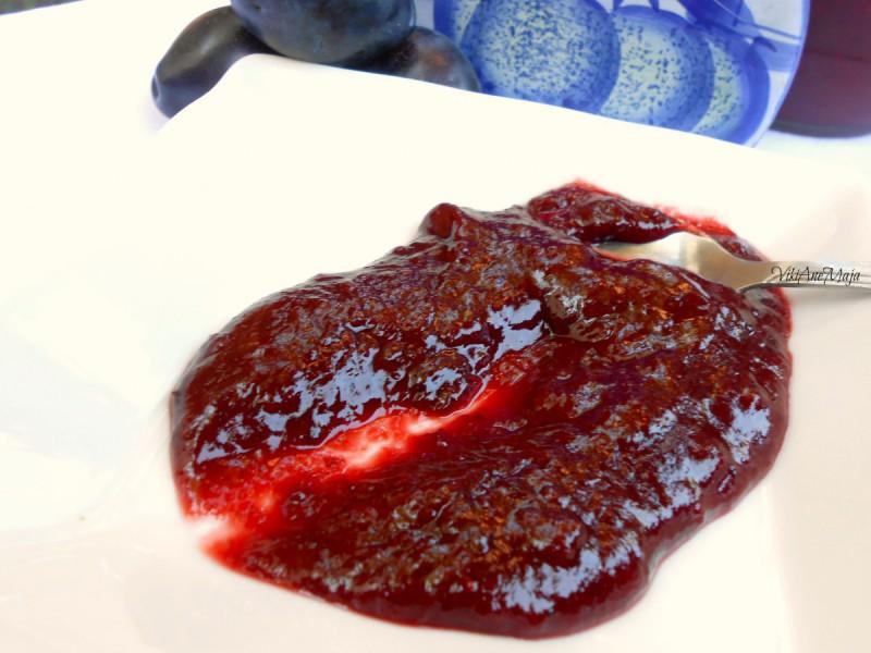 Мармалад од модри сливи и јагоди