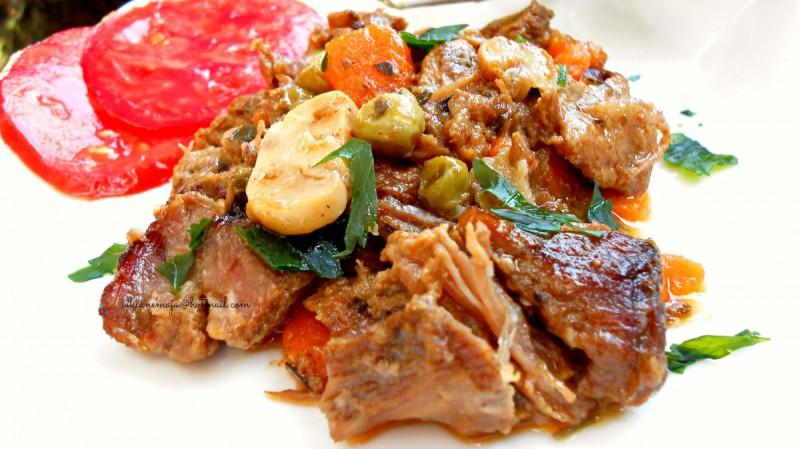 Маринирано свинско месо со зеленчук