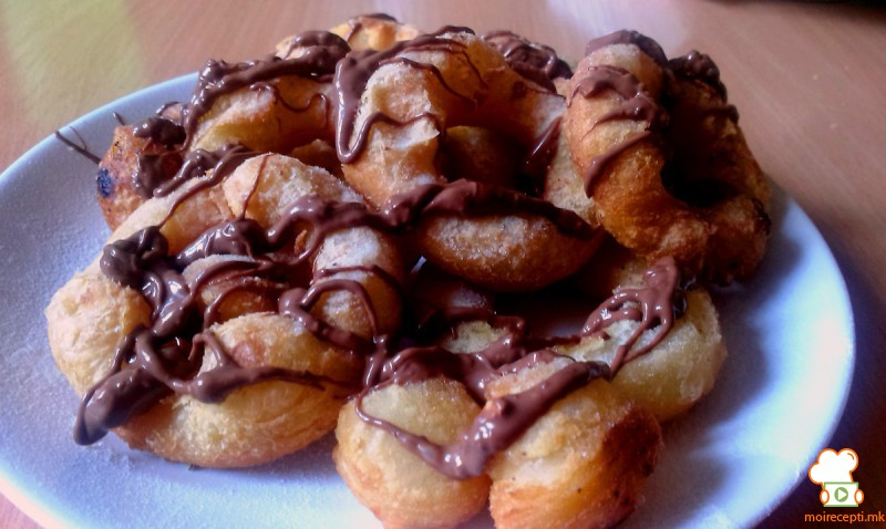 Крофни од лиснато тесто