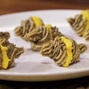 Видео рецепт: Декоративни падобранци со ореви