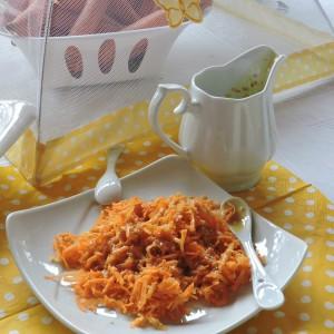 Морков салата со сос