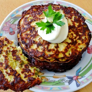 Шницли од тиквички, грашок и сирење