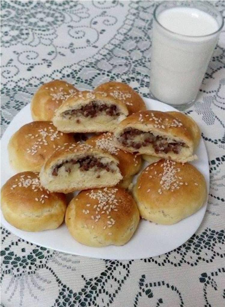 pogachki-so-meleno-meso